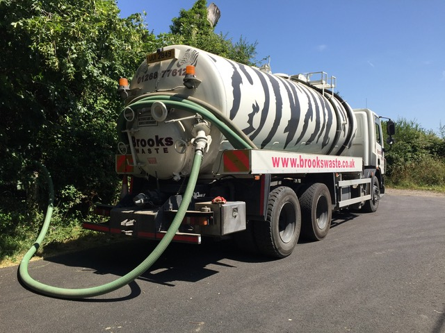 tank emptying cesspit tank